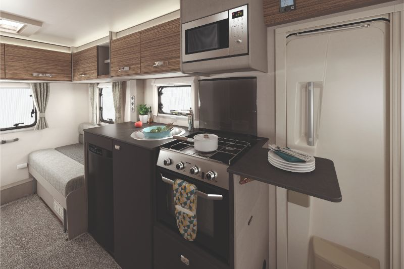 [INT]-Edge-486-Kitchen-With-Microwave-[CMYK]