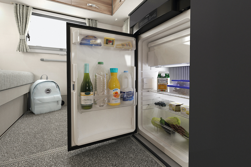 int-edge-486-fridge-swift